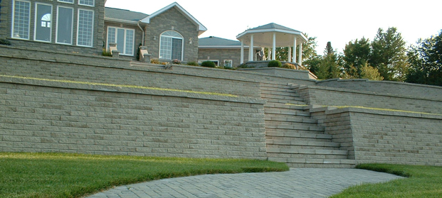 linear Retaining wall